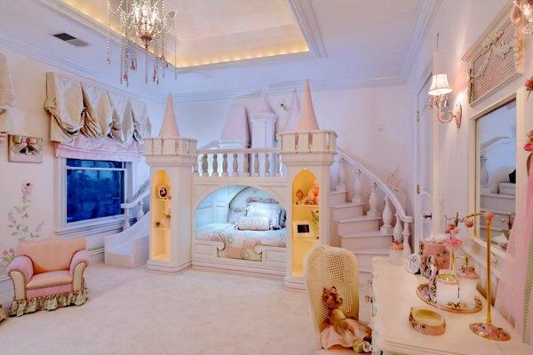 lit princesse, lit château petite fille,lit chateau rose,lit unique fillette, chambre petite fille unique